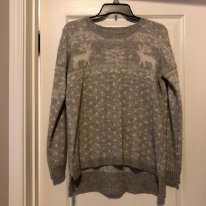 F21 grey and white fuzzy sweater with reindeer